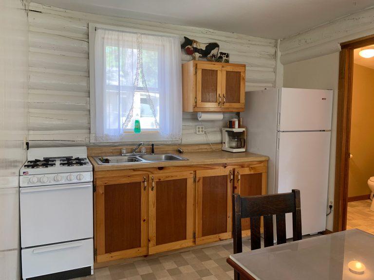 cabin 7 kitchen