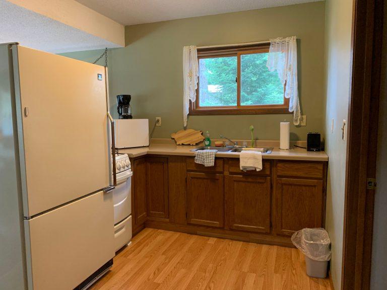 cabin 9 kitchen