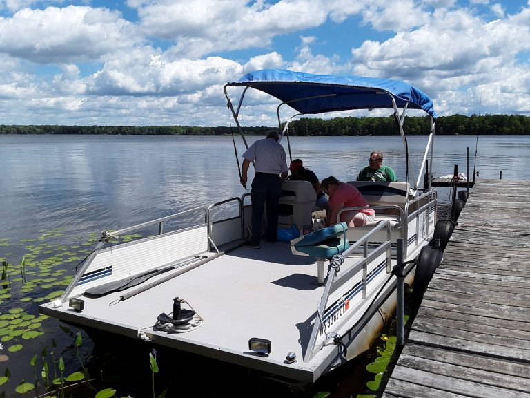 Hayward WI Pontoon Boat Rental
